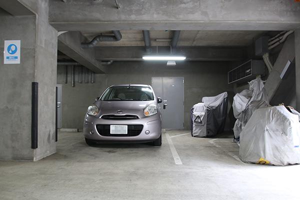 レンタルボックス狛江岩戸南店 駐車スペース