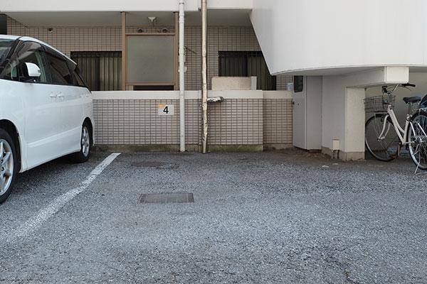 トランクルーム松戸二ツ木店 お客様駐車場